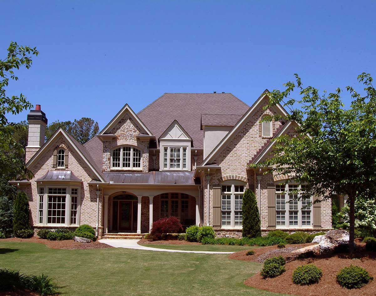 Spacious Family Home Plan - 15820GE