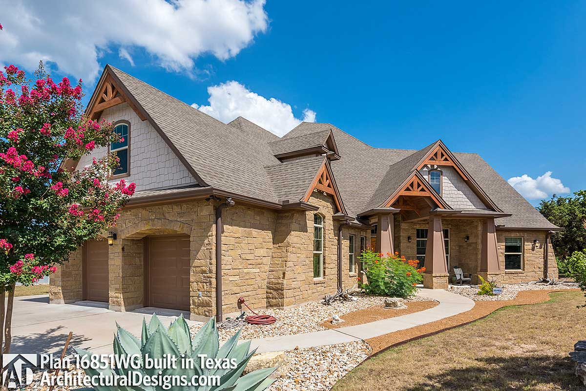 Rugged Craftsman Dream Home Plan - 16851WG