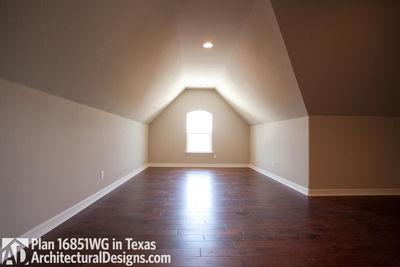 Rugged Craftsman Dream Home Plan - 16851WG thumb - 30