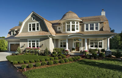 Spectacular home for the large family 20095ga for Dream roof