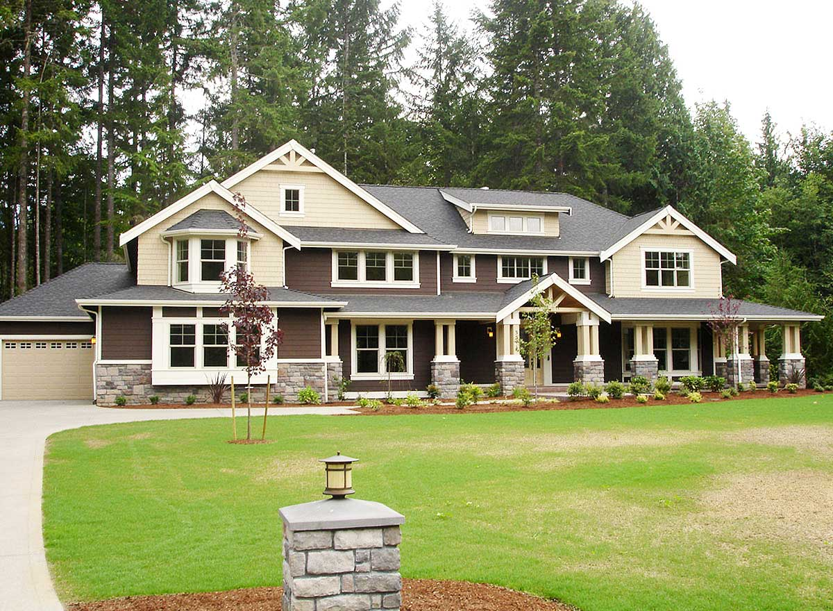 Luxury craftsman house plan with options 23180jd 2nd for Luxury craftsman house plans