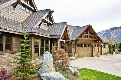 Luxury Craftsman with Front-to-Back Views - 23284JD thumb - 05
