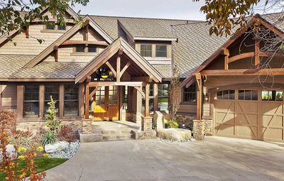 Luxury Craftsman with Front-to-Back Views - 23284JD thumb - 04