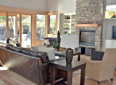 Contemporary Prairie-Style Masterpiece - 23481JD thumb - 45