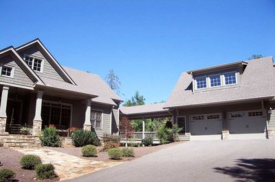 Mountain Home Plan with Garage and Bonus Level - 29826RL thumb - 01