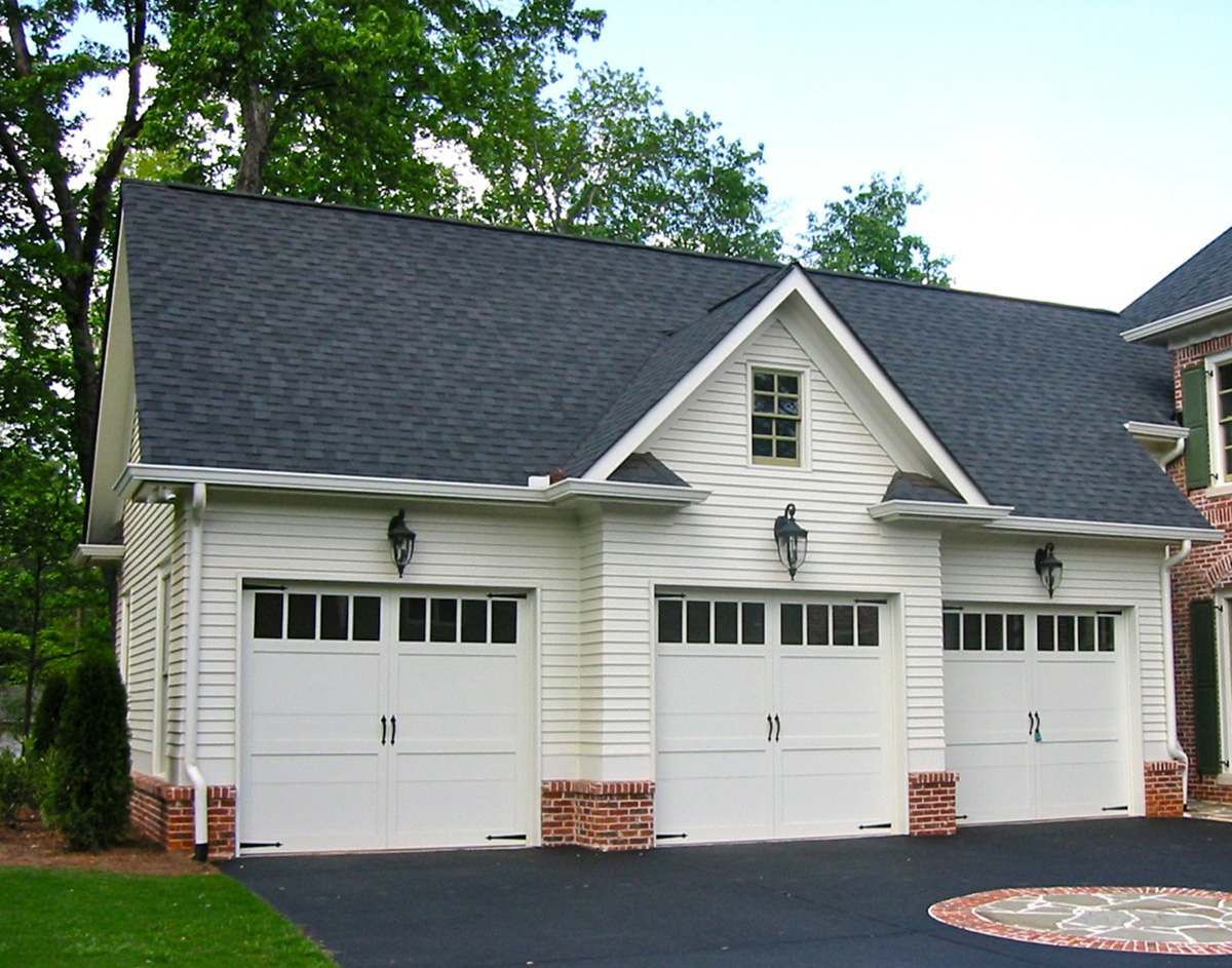 Colonial style garage apartment 29859rl architectural for 3 stall garage with apartment