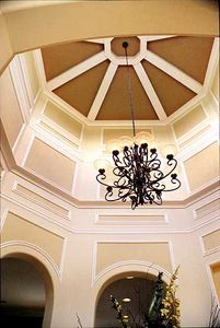 Elegant Rotunda Adds Flair - 31044D thumb - 03