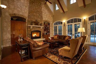 Classy Courtyard Cottage - 31169D thumb - 05