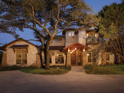 Classy Courtyard Cottage - 31169D thumb - 01