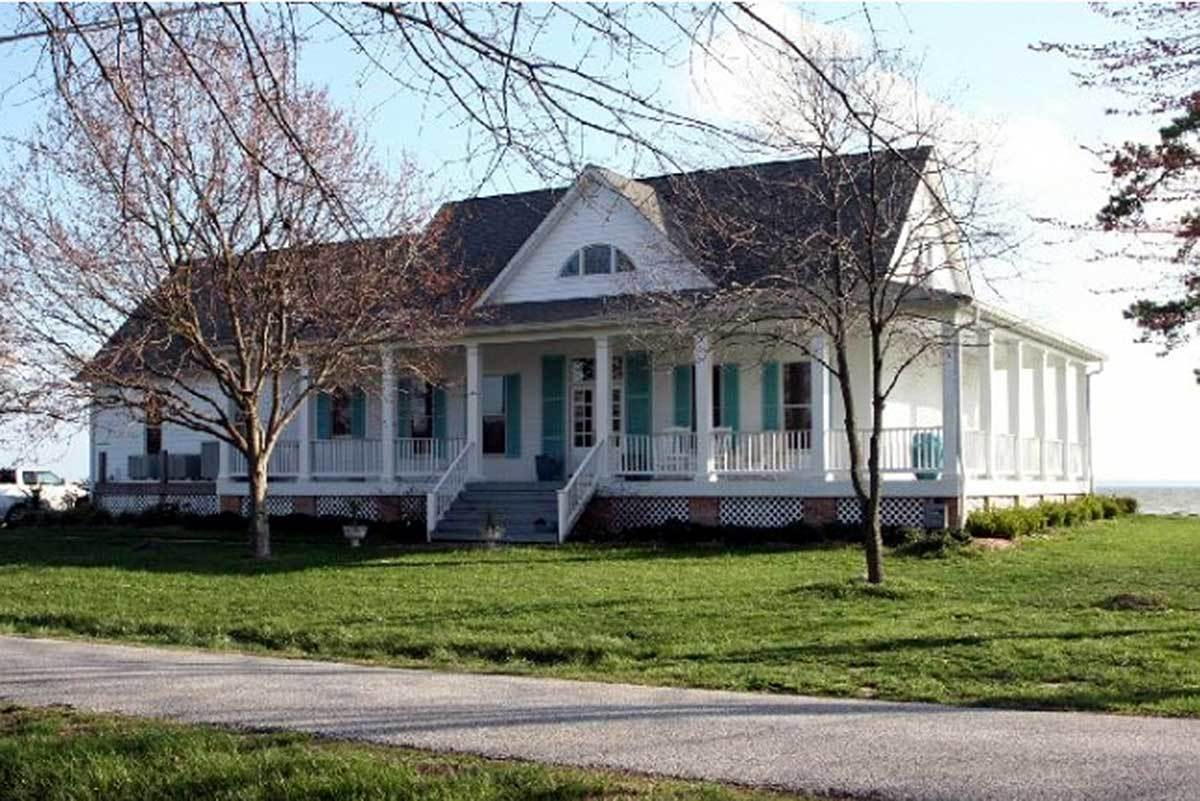 Southern style wrap around porch 32440wp architectural for Southern farmhouse plans
