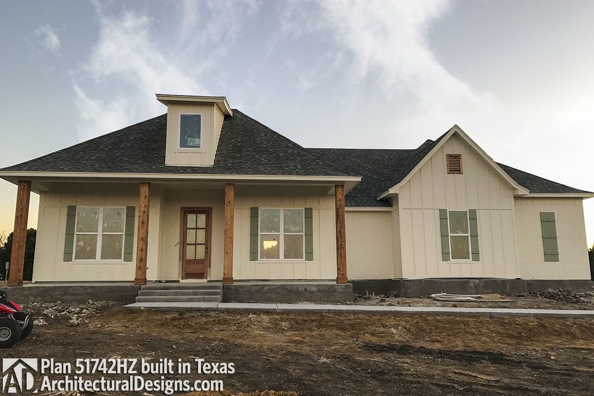 House Plan 51742HZ comes to life in Texas - photo 001