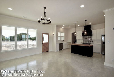 House Plan 51742HZ comes to life in Texas - photo 004