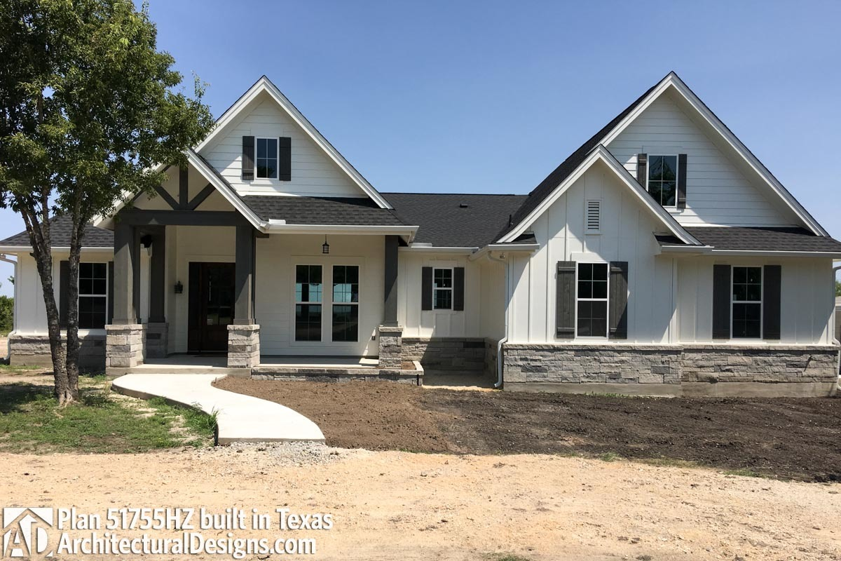 House Plan 51755HZ Comes To Life In Texas - photo 001