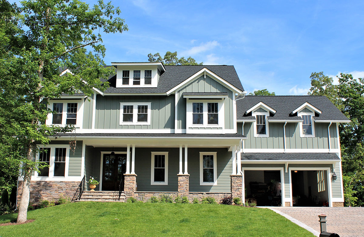 5 bed craftsman with board and batten siding and 2 porches for Board and batten house designs