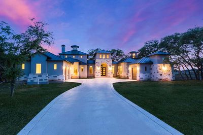3 bed hill country house plan with two living wings - 430003ly
