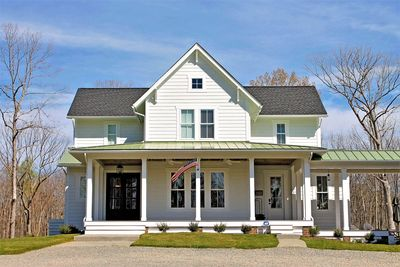 Quintessential American Farmhouse with Detached Garage and Breezeway - 500018VV thumb - 03