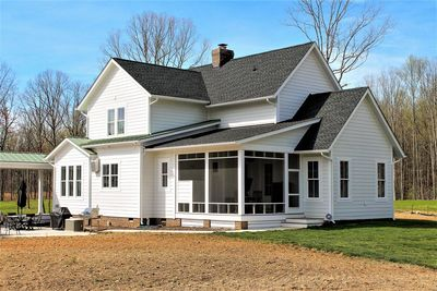 Quintessential American Farmhouse with Detached Garage and Breezeway - 500018VV thumb - 05