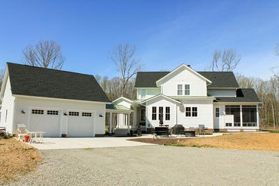 Quintessential American Farmhouse with Detached Garage and Breezeway - 500018VV thumb - 07