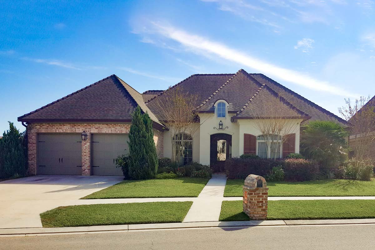 3 Bed French Country Style House Plan With Brick And