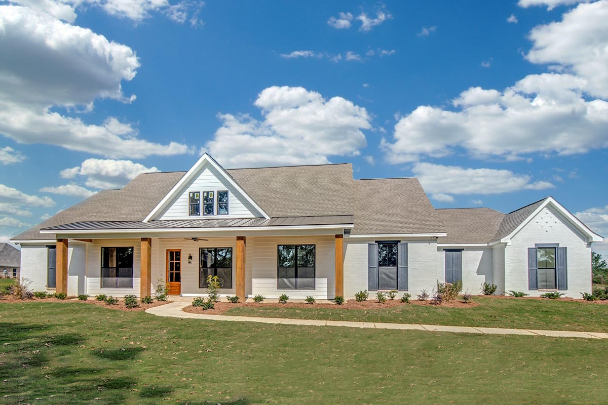 One Level House Plans: One Level Country House Plan - 83903JW