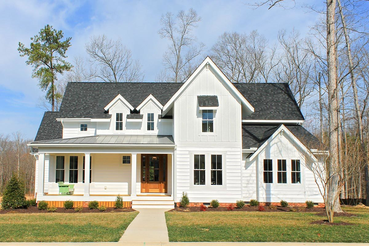 Exclusive Classic and Stylish Farmhouse Plan