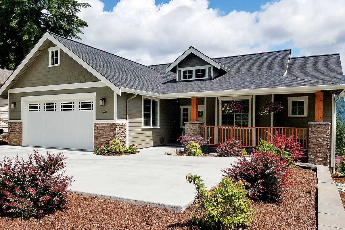 craftsman house plans with basement 3 bedroom craftsman house plan with den and walkout basement 280019jwd architectural designs 5957