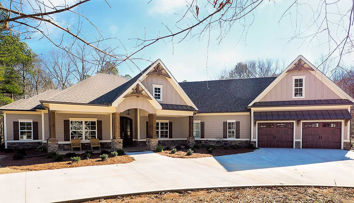 House Plans With Garage Offset : Craftsman house plan with angled garage dk