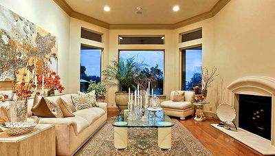 Elegant Motor Court and High Ceilings - 36127TX thumb - 06