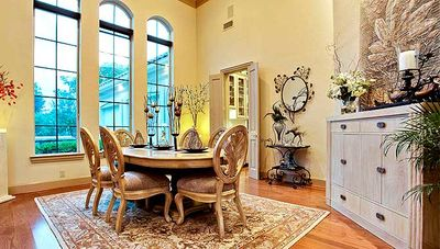 Elegant Motor Court and High Ceilings - 36127TX thumb - 08