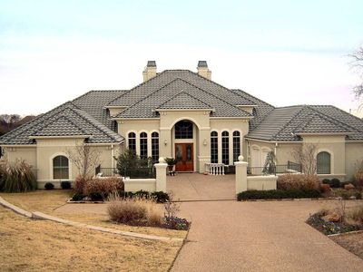 Elegant Motor Court and High Ceilings - 36127TX thumb - 01