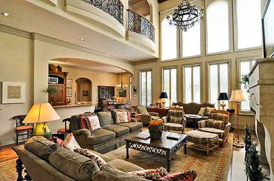 Spectacular Two-Story Family Room - 36145TX thumb - 03