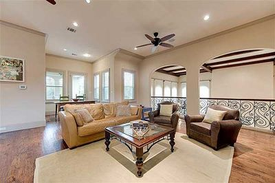 Spectacular Two-Story Family Room - 36145TX thumb - 15