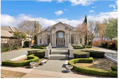 Luxury with Central Courtyard - 36186TX thumb - 01