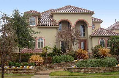 Dramatic Two-Story Arched Entry - 36232TX thumb - 03
