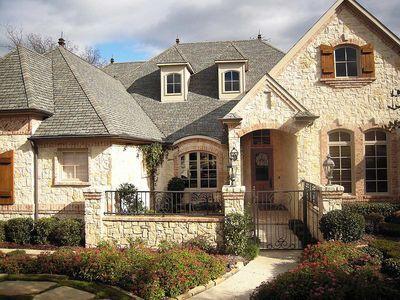 Flexible Estate Home Plan - 36270TX thumb - 01