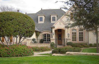 Flexible Estate Home Plan - 36270TX thumb - 05