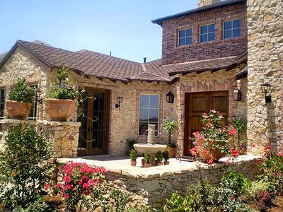 Hill Country Courtyard Stunner - 36377TX thumb - 18