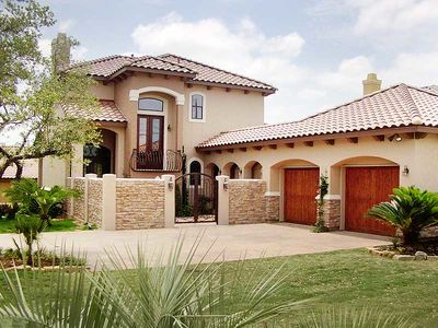 4 Bedroom Courtyard Living Home Plan - 36801JG thumb - 02