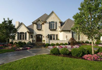 4 Bedrooms House Plan with Classic Exterior - 39222ST thumb - 01