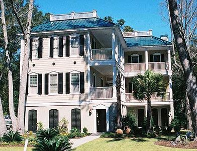 Angled Porches on Two Floors - 60035RC thumb - 01