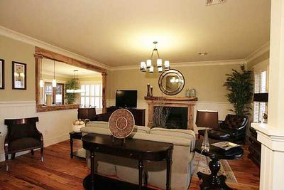 Showcase Stunner With 4 or 5 Bedrooms - 60064RC thumb - 08