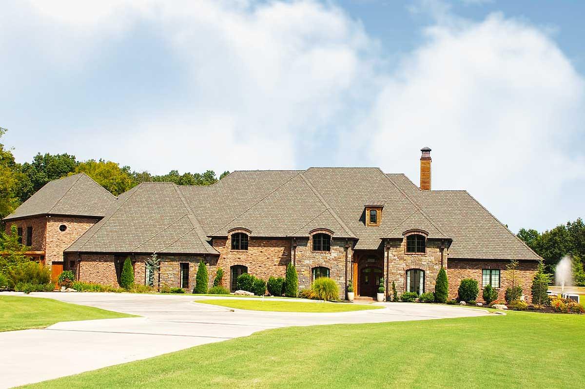 Luxury Plan With Garage Apartment 60568nd