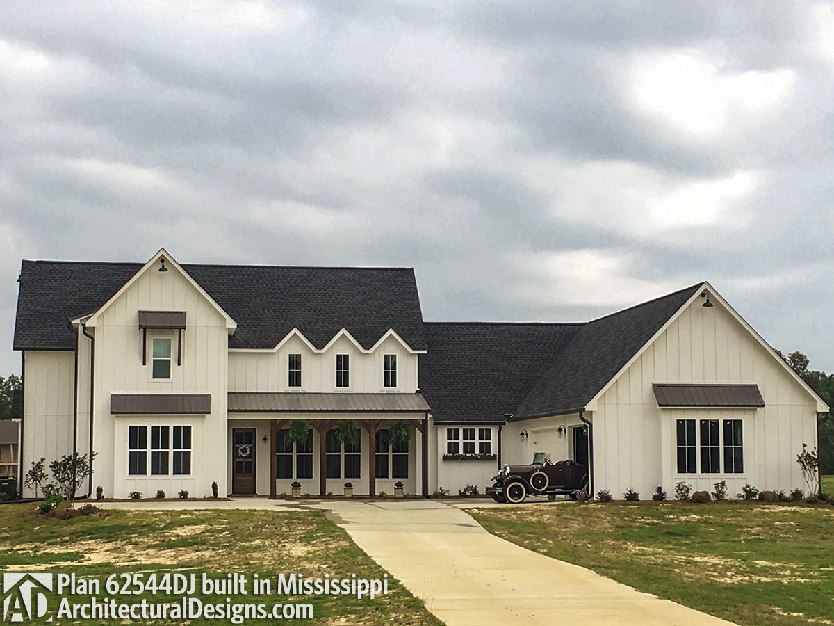 Modern farmhouse plan 62544dj comes to life in mississippi for Modern farmhouse architecture plans