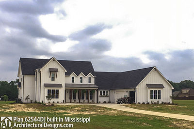 Modern Farmhouse Plan 62544DJ comes to life in Mississippi - photo 011