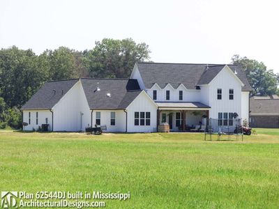 Modern Farmhouse Plan 62544DJ comes to life in Mississippi! - photo 007