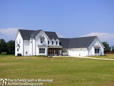 Modern Farmhouse Plan 62544DJ comes to life in Mississippi! - photo 004