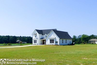 Modern Farmhouse Plan 62544DJ comes to life in Mississippi! - photo 005