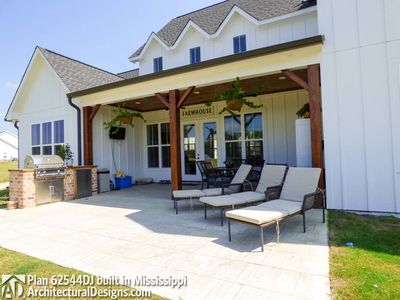 Modern Farmhouse Plan 62544DJ comes to life in Mississippi - photo 010