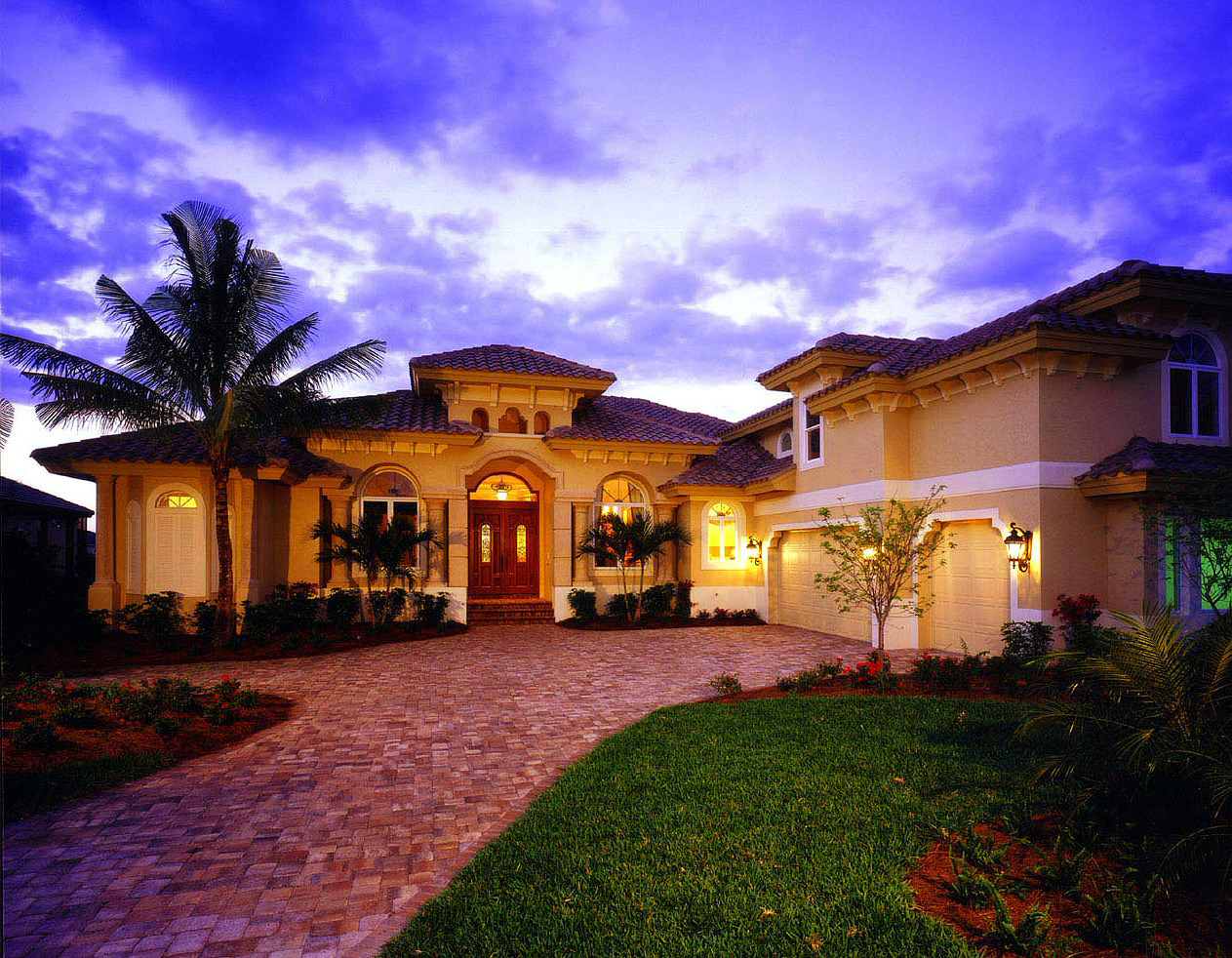 Cozy and elegant luxury house plan 66011we 1st floor for Luxury florida home plans