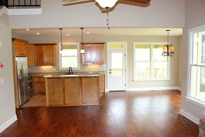 Cottage Escape with 3 Master Suites - 68400VR thumb - 08